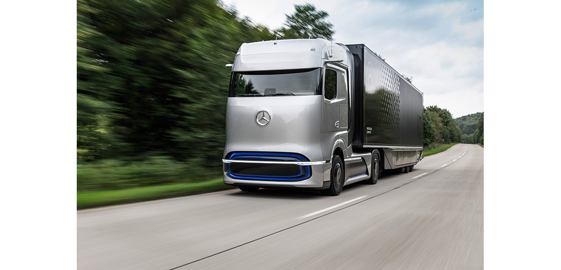 Mercedes-Benz-Win-the-Coveted-2021-Truck-Innovation-Award-for-Their-Mercedes-Benz-eActros-and-Mercedes-Benz-GenH2-trucks