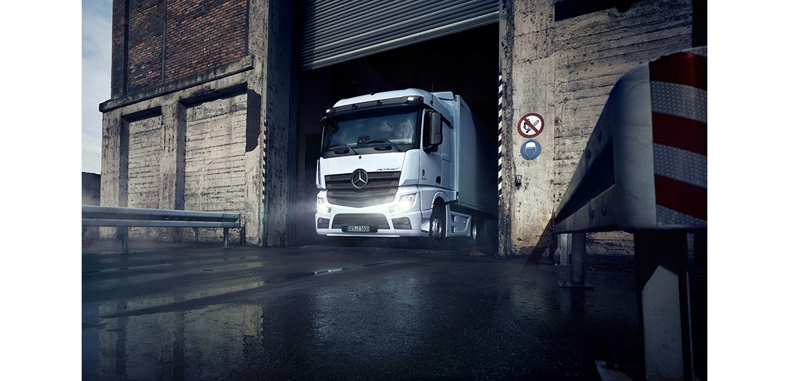 Daimler-Trucks-Unveil-New-Range